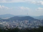 From Bugaksan Mountain, behind the Blue House, we get a clear view of Seoul Tower.