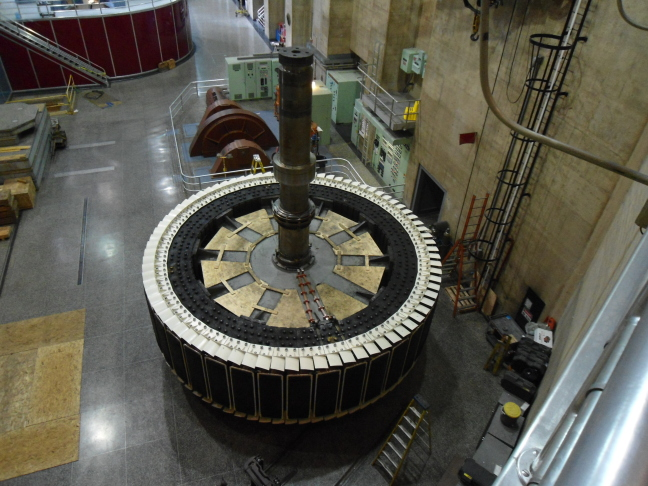 560 ton rotor out for repair at Hoover Dam