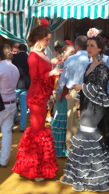 Flamenco style: fans, mantillas, ruffles, and cell phones